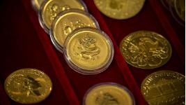 在经济学的角度分析:黄金价格如何运作?您应该购买一些黄金吗?