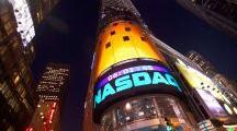 标准普尔500指数创下新高,纳斯达克领涨股市
