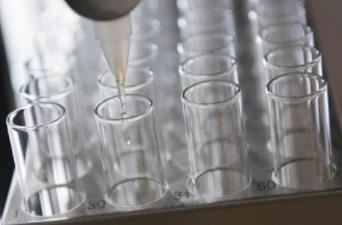化学公司 Azelis 在布鲁塞尔首次公开募股 21 亿美元后跃升