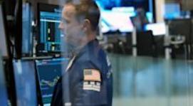 随着投资者关注银行收益、通胀数据,股市收高,结束连续三天下跌